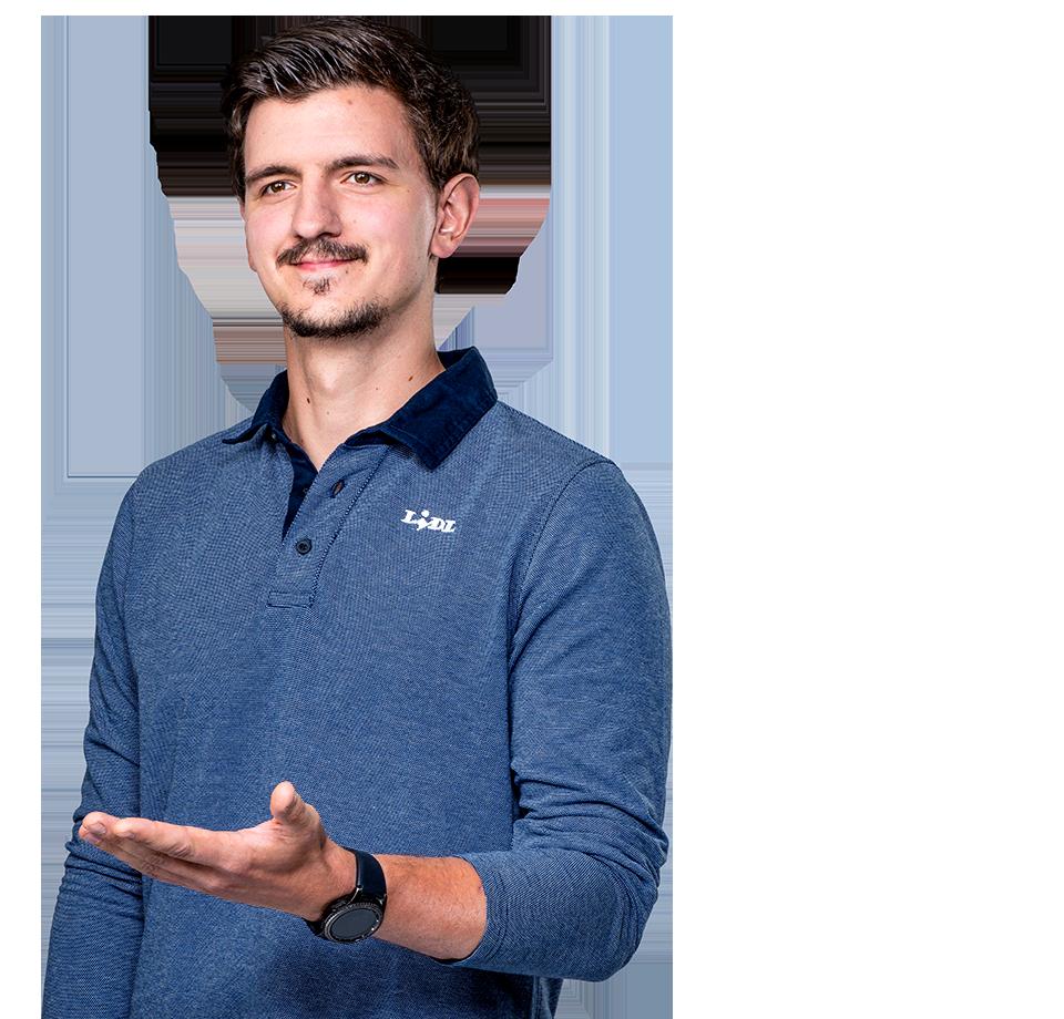Maciej - pracownik sklepu